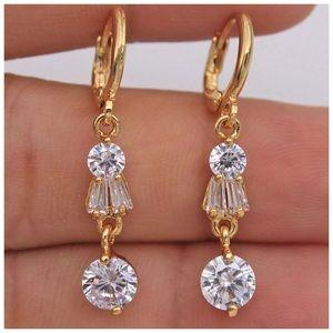Elaine 18K Gold Topaz Drop Earrings!